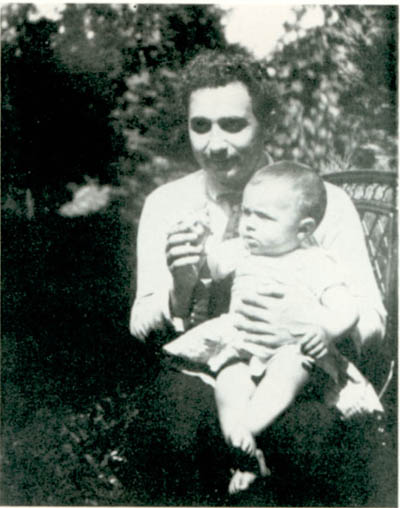 Albert Einstein con su hijo Hans Albert